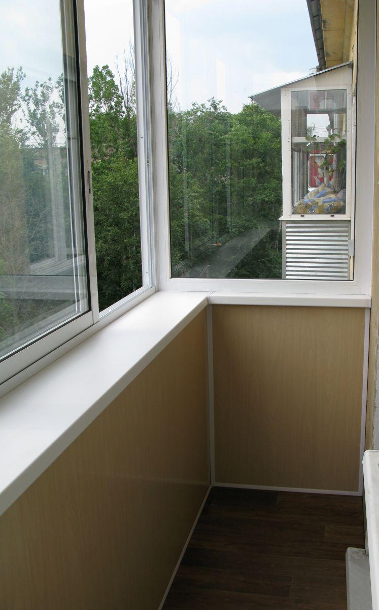 Остекляем балкон в хрущевке.