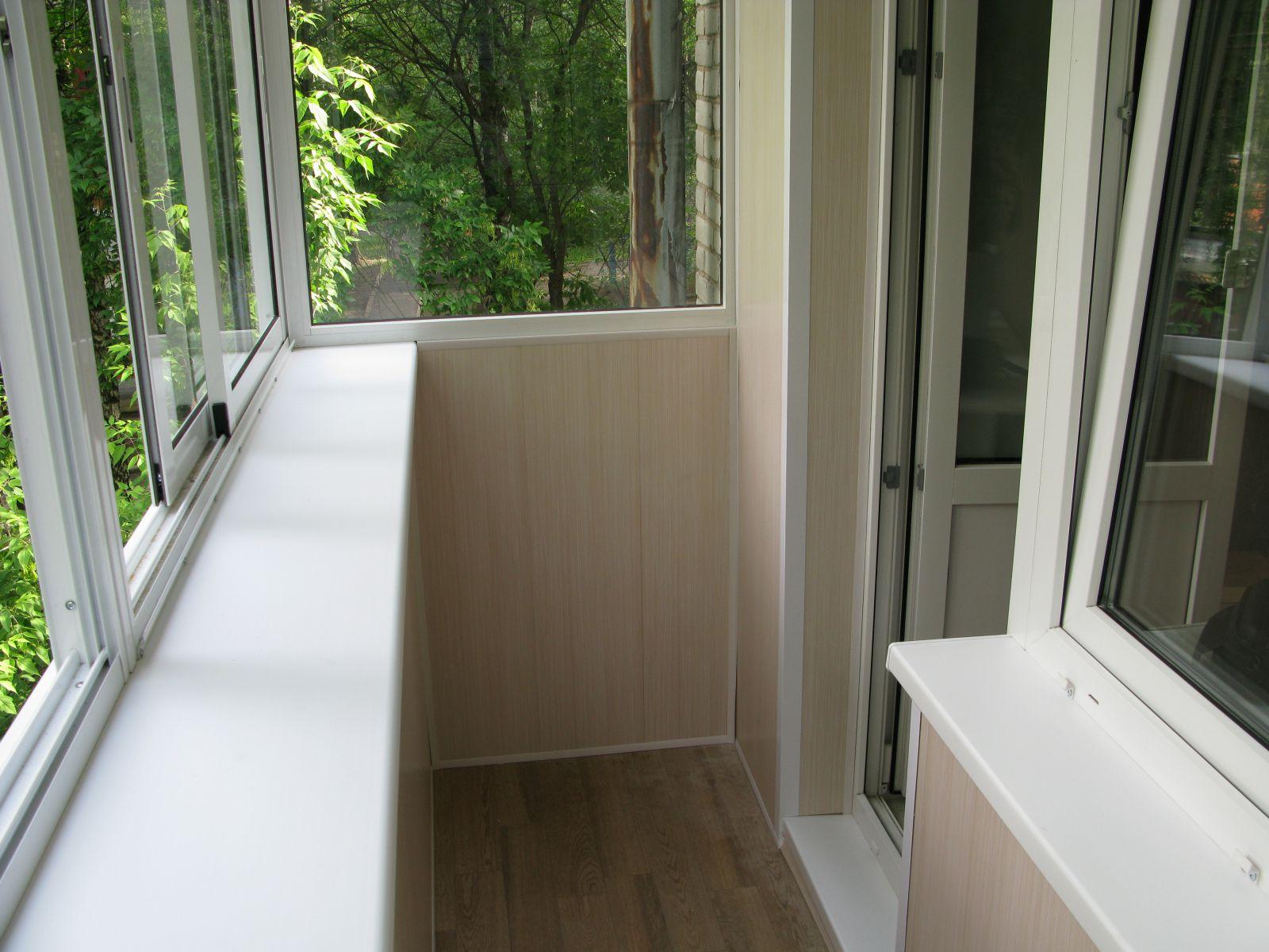 Остекление и отделка балкона под ключ цена.